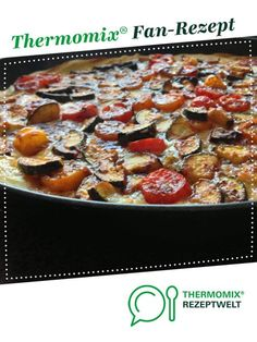 Mediterrane Tomate-Zucchini-Quiche Mediterranean tomato-zucchini quiche by A Thermomix ® recipe from the main course with vegetables category www.de, the Thermomix ® community. Tomate Zucchini, Zucchini Quiche, Vegan Breakfast Recipes, Vegetarian Recipes, Lactose Free Diet, Le Diner, Pampered Chef, Cocktail Recipes, Cravings
