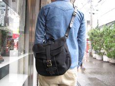 Filson Wool Field Bag, Small, Black