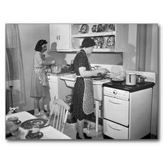 """Modern Kitchen,Spring """"New Bedford, Massachusetts. Family of Portuguese house painter who live in low-income government housing project."""" Medium format negative by John Collier for the Resettlement Administration Old Photos, Old Pictures, Vintage Kitchen, Retro Vintage, 1940s Kitchen, Retro Ads, Shorpy Historical Photos, 1940s Home, 1930s"""