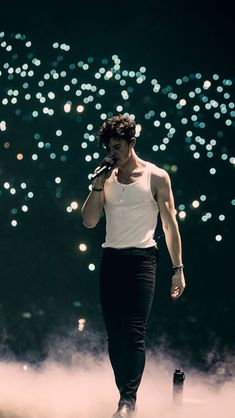 The Daily Shawn Mendes Shwan Mendes, Mendes Army, Beautiful Boys, Beautiful People, Shawn Mendes Tour, Shawn Mendes Tumblr, Shawn Mendes Cute, Shawn Mendes Imagines, Fangirl