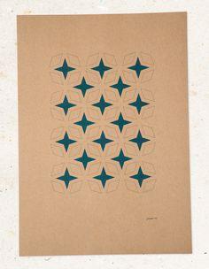 jwtwel, star pattern A3 poster. Risograph print; Teal. #Risograph #riso #print #poster #A3 #jwtwel #star #retro #pattern #patroon #teal #green #groen #donkergroen #christmas #december #lifestyle #home #decoration #kerst #newyear #onsalenow #muskatbrown #dekijm #jwtwel @dekijm
