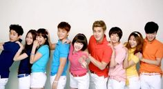 Super Junior and f(x) are all hugs and smiles for SPAO