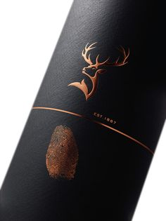 Packaging And Label Design Glenfiddich Experimental Series Wine Bottle Design, Wine Label Design, Wine Bottle Labels, Wine Bottles, Coffee Packaging, Bottle Packaging, Sauvignon Blanc, Cabernet Sauvignon, Mead