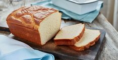Gluten Free* Breakfast Bread- Nothing is more delicious than homemade bread. And this gluten free loaf is no exception! Try this gluten free recipe sliced and toasted for a delightful treat. Gf Recipes, Gluten Free Recipes, Bread Recipes, Recipies, Healthy Recipes, Dessert Barbecue, Gluten Free Bread Flour Recipe, Almond Bread, Bread Machine Recipes