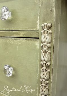 Versailles (chalk paint) - I like the way this looks!