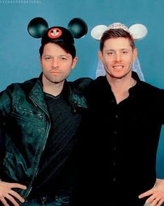 Find images and videos about supernatural, Jensen Ackles and dean winchester on We Heart It - the app to get lost in what you love. Jensen Ackles, Jensen And Misha, Dean Winchester, Sammy Supernatural, Supernatural Convention, Misha Collins, Bobby Singer, Cockles, Jared Padalecki