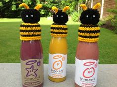 Bumble bee hats for innocent smoothies Loom Knitting, Knitting Patterns Free, Free Knitting, Innocent Drinks, Bee Hat, Crochet Bee, Knitting For Charity, Hat Crafts, Big Knits