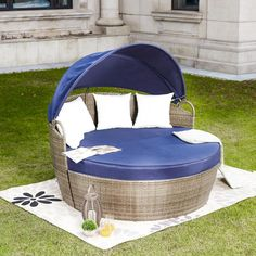 Patio Festival Wicker Outdoor Day Bed with Blue Cushions - The Home Depot Daybed Sets, Daybed Canopy, Daybed Mattress, Patio Daybed, Outdoor Daybed, Outdoor Seating, White Cushions, Seat Cushions, Folding Canopy