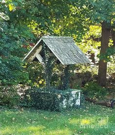 """Still exploring my new neighborhood of Walpole, virtually everyday I see something that catches my """"eye"""". This whimsical wishing well is one of those moments.Something green and serene for your den Farm Projects, Wishing Well, Make A Wish, New England, Wellness, Wall Art, Eyes, House Styles, Green"""