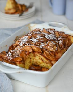 Baked Apple French Toast - A lovely mash-up of French toast and apple pie, this prep-ahead breakfast casserole has all the makings of a special holiday brunch dish – the kind that becomes a much-loved family tradition. Not only is it over-the-top deliciou Apple French Toast, French Toast Bake, French Toast Casserole Apple, French Toast Muffins, Baked French Toast Overnight, Make Ahead French Toast, Brunch Dishes, Baked Apples, Waffles