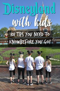 All the top tips and insider tricks for doing Disneyland with kids. From ways to save money and avoid lines to what to eat and attractions you can't miss! Tips for both Disneyland Resort, California Adventure and Downtown Disney! Disneyland Paris, Disneyland Secrets, Disneyland Vacation, Disney Vacations, Family Vacations, Disneyland Ideas, Mexico Vacation, Family Trips, Vacation Travel
