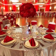 Queen of Hearts Red Rose Centerpieces & Decor! Quinceanera Planning, Quinceanera Decorations, Quinceanera Party, Red Wedding Decorations, Quince Decorations, Red Wedding Receptions, Red Rose Wedding, Wedding Colors, Red Silver Wedding