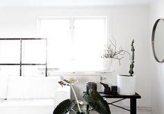 Weiß mit Pflanzen