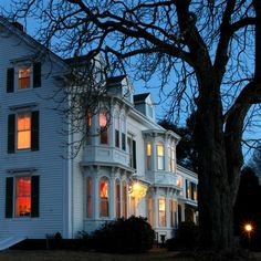 The Hodgdon Island Inn, a Maine coastal bed and breakfast, Boothbay, ME