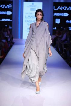 Ujjawal Dubey showcased his collection Antar Agni, inspired by indigenous looks of Middle and Far East at Lakme Fashion Week Summer Resort 2015 Fashion Week 2015, Lakme Fashion Week, India Fashion, Casual Fashion Trends, Fashion Outfits, Womens Fashion, Antar Agni, Knitwear Fashion, Kurta Designs