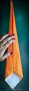 Decoração com guardanapos: gravata  Nakping tieDecoração com guardanapos: gravata