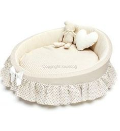 "This Louis Dog ""set"" includes an organic cradle, bear, and pillow Features:Organic fabric is used where dog's skin will come in contact with the material. Yorkies, Yorkie Dogs, Chihuahua, Canis, Puppy Room, Beds For Small Spaces, Diy Dog Bed, Dog Furniture, Mini Dogs"