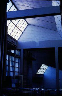 Perlas del patrimonio industrial en España| Interior del edificio de la antigua fábrica de Clesa, en Madrid, obra del arquitecto Alejandro de la Sota