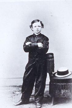 1865 photograph of Tad Lincoln taken by Mathew B. Brady