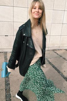 Spring Look Picture Description Street Style Vintage, Look Street Style, Street Styles, Mode Outfits, Casual Outfits, Fashion Outfits, Fashion Trends, Look Fashion, Spring Fashion