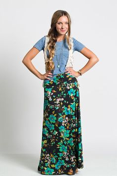 A simple tee, tucked in or left out, is always an easy option, but we love it styled even more with cute lace vest and long necklace. Modest Outfits, Skirt Outfits, Cute Outfits, Lularoe Maxi Skirt, Maxi Skirts, Long Skirts, Maxi Dresses, Lulu Fashion, Modesty Fashion