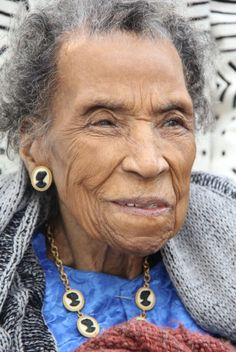 Amelia Boynton Robinson - Badass Women Who Changed The World - Photos Coretta Scott King, Rosa Parks, Martin Luther King, African American Women, American History, John Lewis, Afro, Southern Christian Leadership Conference