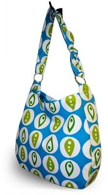 Hobo Bag - Free Pattern Love this one. Want to sew the straps on instead tho. Use decorator fabric..heavier weight?
