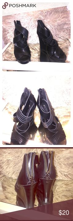 Aldo leather Preloved wore 3 times real leather Aldo Shoes Platforms
