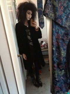 but I think I'm the only goth out there that HATES winkle pickers. Dark Fashion, Gothic Fashion, Goth Subculture, Romantic Goth, Emo, Goth Look, Goth Aesthetic, Punk Goth, Thrift Fashion