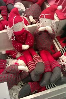 Clarina's Contemplations: Advent for Kids: Our little Kindness Elves. Cute Christmas Ideas, Christmas Love, Homemade Christmas, Christmas Angels, All Things Christmas, Christmas Tree Decorations, Holiday Ideas, Preschool Christmas, Christmas Crafts