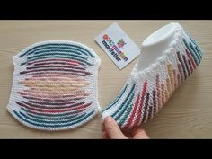 Colorful striped pocket boots with two skewers / boots with two skewers … – Socken Stricken Knitting Blogs, Loom Knitting, Knitting Socks, Knitting Stitches, Knitting Designs, Knitted Slippers, Knitted Hats, Tunisian Crochet, Knit Crochet