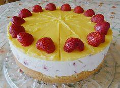Zutaten     3  Ei(er), getrennt   90 g  Zucker   85 g  Mehl   1 Pck.  Puddingpulver, Vanille         Für die Creme:   450 g  Schlagsahn...