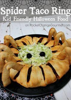 Fun Halloween Food Idea for Kids: Spider Taco Ring (Pocket Change Gourmet) Halloween Snacks, Halloween Food For Adults, Hallowen Food, Looks Halloween, Fete Halloween, Halloween Dinner, Healthy Halloween, Creepy Halloween, Halloween 2017