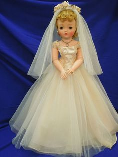 "Vintage 1957 Madame Alexander 20"" Cissy doll and #2170 Bridal outfit # ..."