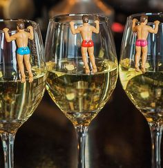 Dudes to hang out on your wine glasses! Unusual Hen Party idea (cuter/quirkier alternative to rude straws!) #henparty #hennight