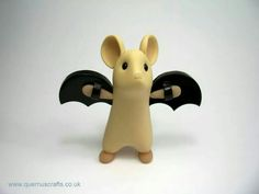 Quernus Crafts.....bat mouse