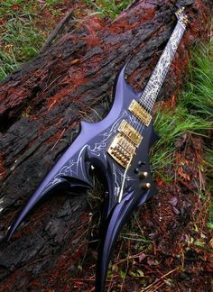 Etherial Guitars in Australia make some magnificent instruments, this beauty is a custom build for artist John Kiernan. Easy Guitar, Guitar Tips, Guitar Art, Music Guitar, Cool Guitar, Playing Guitar, Ukulele, Custom Electric Guitars, Custom Guitars