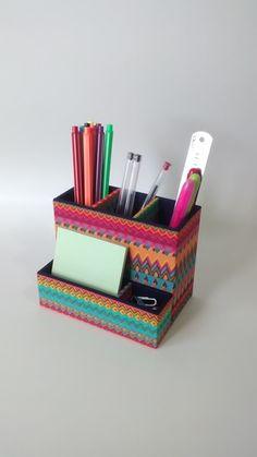 Magazine Organization, Diy Organization, Cardboard Crafts, Paper Crafts, Diy Home Crafts, Arts And Crafts, Diy Para A Casa, Scrapbook Box, Office Stationery