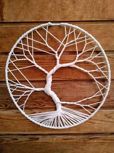 DIY Tree of life wall hanging Macrame Wall Hanging Patterns, Macrame Art, Macrame Projects, Macrame Patterns, Rope Crafts, Yarn Crafts, Art Macramé, Diy Dream Catcher Tutorial, Dream Catcher Craft