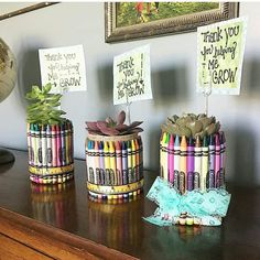 last minute teacher gifts Teachers deserve all the gratitude in the world, but sometimes the end of the school year sneaks up on us. Here's 6 last minute teacher gifts ideas for you! Homemade Teacher Gifts, Preschool Teacher Gifts, Kindergarten Gifts, Teachers Day Gifts, Teacher Christmas Gifts, Best Teacher Gifts, Teacher Gift Diy, Gift Ideas For Teachers, Teacher Valentine