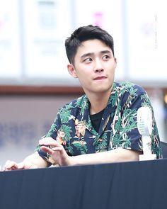 isn't he the cutest Kyungsoo, Chanyeol, Asia Artist Awards, Miss You Guys, Exo Official, Exo Do, Exo Kokobop, Kpop Exo, Ordinary Girls