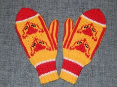 Pihlaja-candy mittens made by Hehkulanka Mittens, Projects To Try, Gloves, Cross Stitch, Textiles, Knitting, Crochet, Diy, Candy