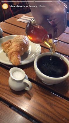 Perfect moment  #honey #coffee #breackfast #desayuno #miel con #café