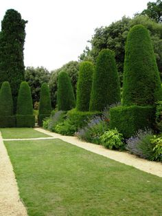 Gardens with Most Amazing Hedges You've ever seen