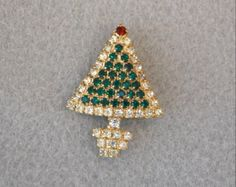 Rhinestone Christmas Tree Pin Vintage