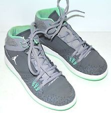 fc982cf7a71 boys basketball shoes size 5.5. Top Basketball ShoesNike FreeYouthJordansSneakers  ...