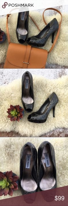 """{steve madden} Crocodile Gunmetal Pumps 7.5 EUC! Only worn once. Only real wear is on inside. Gorgeous, metallic grey--GUNMETAL!--embossed faux crocodile leather upper with black patent leather platform and heel. On trend, sexy, classic and chic. 5"""" high heels. Perfect for the office, nights out or that Spring wedding! Offers warmly welcomed! Steve Madden Shoes Heels"""