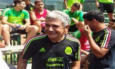 -El técnico interino de la Selección Mexicana cumplió el día de hoy su promesa y se rasuró el bigote
