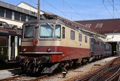 Swiss Railways, Lausanne, Switzerland, How To Wear, Train Stations, World, Locomotive
