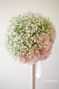 Babys breath and pink! Flower Girl Bouquet, Hand Bouquet, Romantic Wedding Colors, Decoration Chic, Church Flowers, Arte Floral, Flower Images, Bride Bouquets, Bridal Flowers